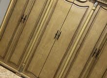7ابواب خشبيه  —وغرفة نوم شبه جديده