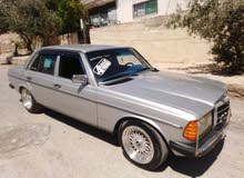 Mercedes Benz E 200 car for sale 1983 in Irbid city