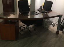 مكتب مستعمل حاله ممتازه