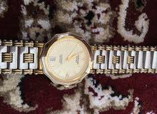 للبيع ساعة سامسونج نظيفة مطلية ذهب نادرة تراثية.