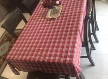 طاولة طعام 8 مقاعد حالة جيدة