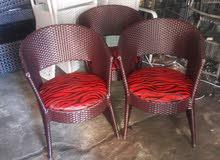 chaise et table puor cafe
