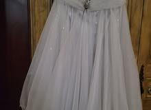 فستان ابيض للاعراس والمنسابات
