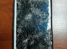 محتاج شاشة للسامسونج اللي في الصورة تقريبا S3