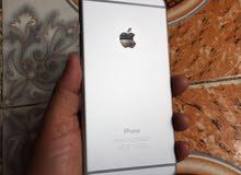 ايفون 6 بلس نظييييف جدا خالي من الخدوش نظامين فيه ضوء ابيض صغير داخل الشاشة