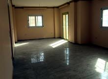 شقة للايجار بموقع ممتاز بمنطقة الفيلات بالحي الخامس (سكني او مقر اداري لشركة)