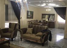 فيلا للبيع في منطقة عرجان - خلف فندق النجوم - مطلة و قريبة على جميع الخدمات