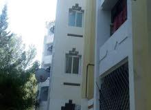شقة للبيع تقع في الطابق الثاني بحمام الشط بن عروس.