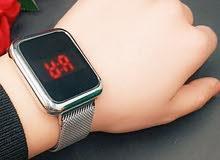 ساعة الكترونية لمس رجالي/ نسائي مغناطيس السعر 12 آلاف مع علبه هدية