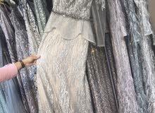 فستان للبيع ملبوس مرة واحدة مقاس 12انجليزي