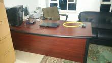 مكتب ماليزي معا المكتبه نضيف جدا