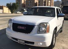 White GMC Yukon 2008 for sale