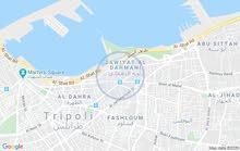 سوق ببضاعته للبيع في طرابلس