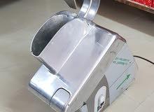 مكينة بشر جبنه وشرائح ايطاليه مستعمله استعمال نظيف للبيع