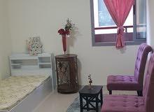 غرفه للايجار في شارع الشيخ زايد دبي محطة مترو المركز المالي DFC