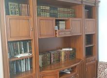للبيع مكتبة السعر 800 قابلة للنقاش