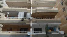 شقة طابق اول علوي 120 متر سوبر لوكس مسجلة في النخيل بجوار البحر