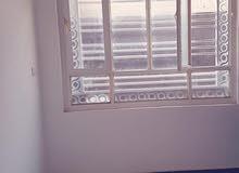 بيت جديد ثلاث طوابق للإيجار في اليرموك