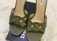 حذاء ديون