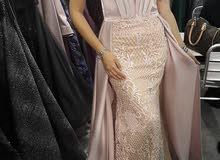 فستان خطبه وملكة