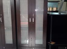 مكتبه زجاجيه من شركة الشرق الأوسط الأثاث المكتبي الحديث