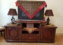طاولة تلفزيون بأدراج وتلفزيون LG ال جي 29 انش مستعمل