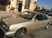 Automatic Gold Mercedes Benz 1998 for sale