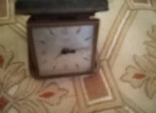 ساعة قديمة ونادرة للبيع