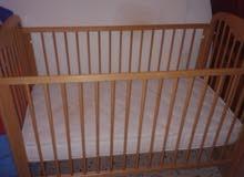 سرير اطفال بيبي صناعة ايطالية للبيع