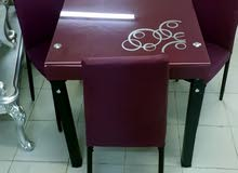 عروض على طاولات 4 كراسي مقاومة للحرارة جديدة بالكرتون