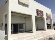 للبيع  مبنى سكني تجاري للبيع (3 محلات)
