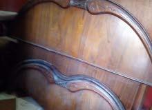 غرفه نوم بحاله ممتازه.  خشب ممتاز للتواصل 01285247834