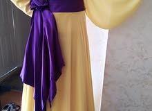 فستان عند خياط معروف بصوفيه قماش حرير اصلي تفصيل حرير سلك فخم جدا معه شاله