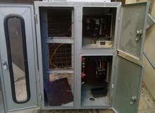 خزانة كهرباء  لثلاث ساعات كهرباء  ويوجد بها قواطع كهرباء