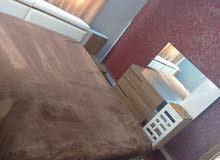 شقه للايجار شهري او يومي بالمحدود الشرقي مفروشه غرفتين نوم وجلوس وصالون و2 حمام