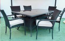 طاولة رتان+ 6 كراسي رتان بحالة ممتازة