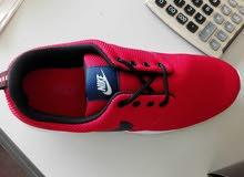 حذاء رياضيه