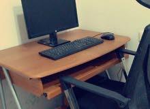 كمبيوتر مكتبي شبه جديد للبيع