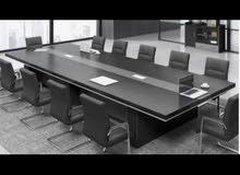 طاولة اجتماعات مع 12 كرسي جديدة