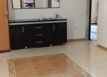 شقة بوهديمه نظيفة قرب من الرئيسي 4غرف حمامين