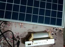 طاقة شمسية مع شاحن موبايل