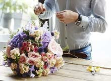 منسق ورد • flower arrangements