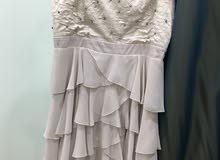 فستان سهرة للبيع بحالة ممتازة وسعر جيد