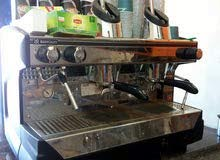 اسطى مكينة  القهوة  (مغربي الجنسية)