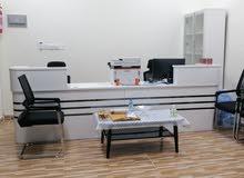 موظفة تعقب معاملات (مكتب سند)