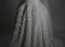 فستان زفاف ملكي