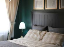 شقة فندقية ارضية 180م مع كراج خاص الجاردنز (حي البركه) للايجار اليومي الاسبوعي ا