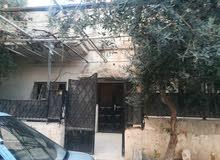 بيت لبيع تسويه وطابق اول في القويسمه حي المعادي