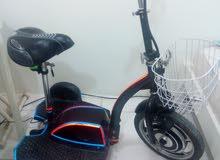 دراجات على الكهرباء تشحن على الكهرباء تلاث عجلاة نظيفة جدا