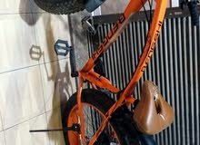 دراجه هوائيه رياضيه بعجلات عريضه للبيع